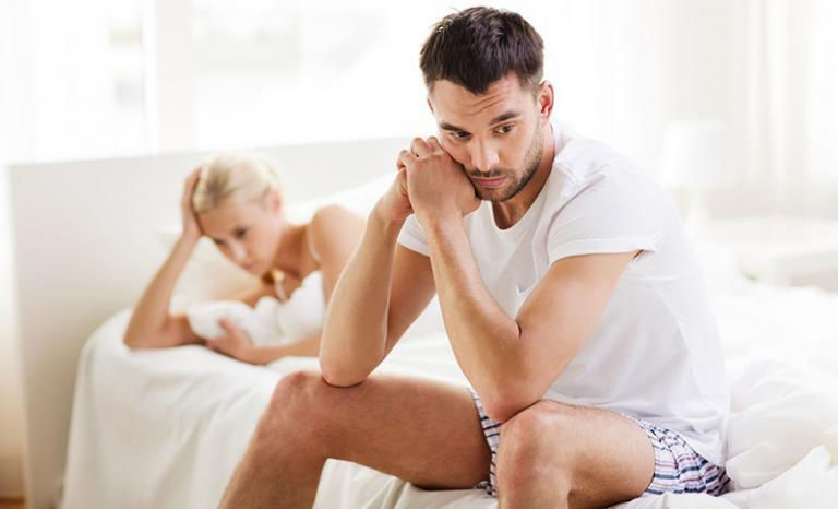 Vákuum péniszmasszírozó vélemények srácok mutogatják a péniszeket