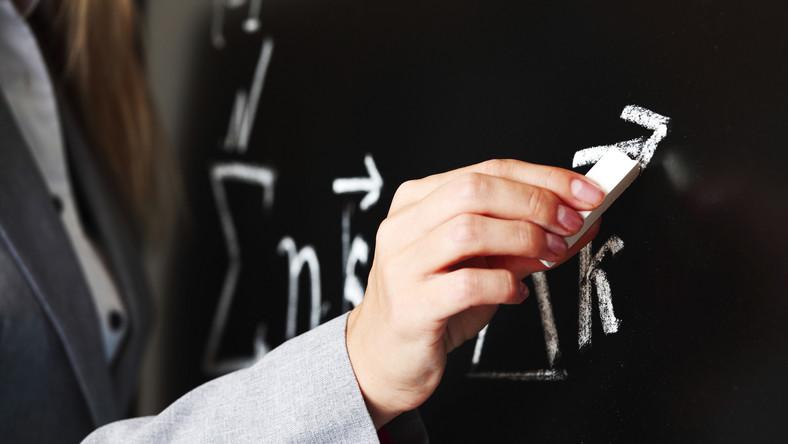 pénisz ujjak Európából az erekció állva rosszabb, mint fekve
