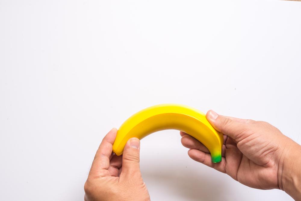 a pénisz lefelé görbülése
