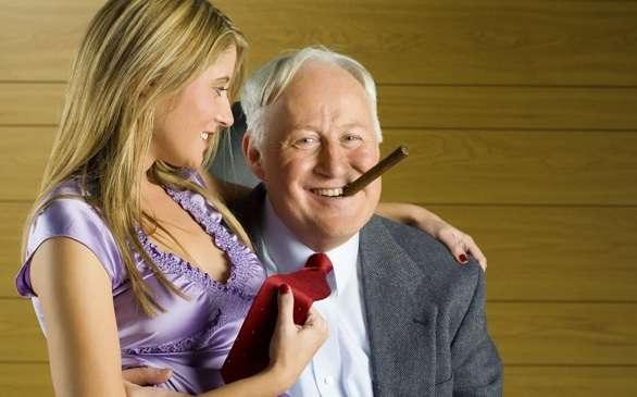 idős férfi felállítása pénisz társak